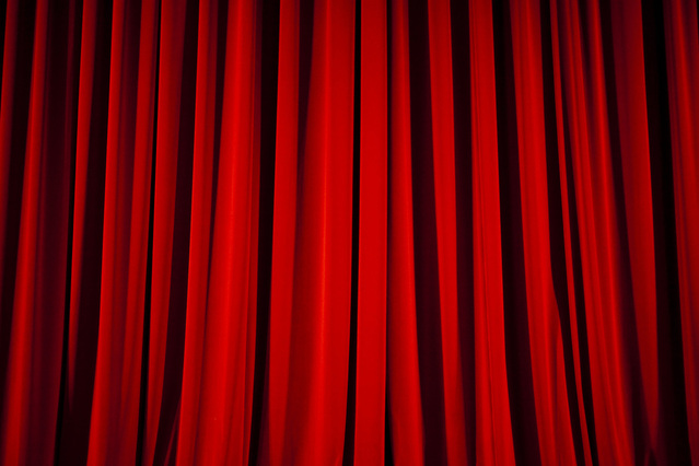 red-curtain-1203512-639x426
